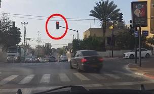 תיעוד: הנהג לידכם תפס אתכם על חם (צילום: אור ירוק, חדשות)