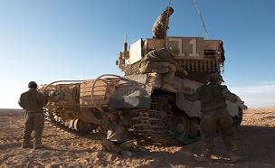 ארבע לוחמות סיימו קורס מפקדות טנקים (צילום: דובר צהל, חדשות)