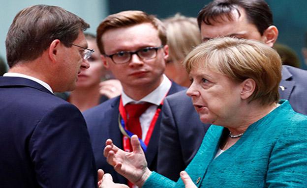 מרקל בכינוס מנהיגי האיחוד האירופי (צילום: sky news, חדשות)