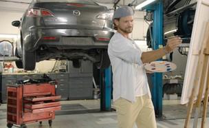 מכונאי רכב מוסך (צילום: עשר אצבעות)