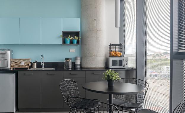 מטבחים צבעוניים, 7 עיצוב מיה שגיב-סלומון וענבל גלעדי (צילום: גלית דויטש)