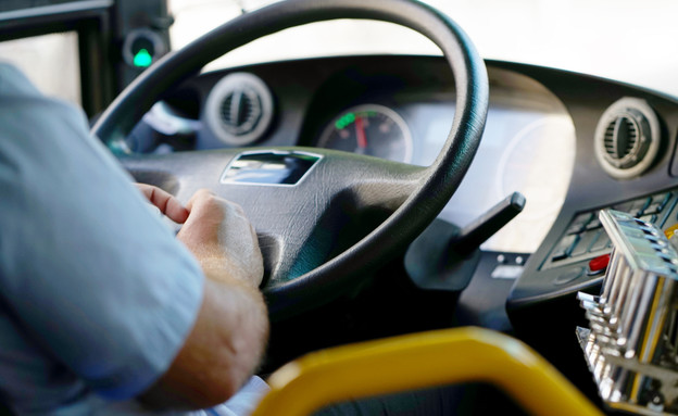 הגה של אוטובוס (צילום:  svershinsky, Shutterstock)