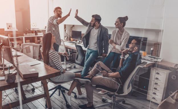 איך תשמרו על עובדים מאושרים כל השנה (אילוסטרציה: kateafter | Shutterstock.com )