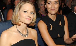 ג'ודי פוסטר ואלכסנדרה הדיסון בטקס האמי (צילום: Frank Micelotta/Invision for the Television Academy/AP Images)