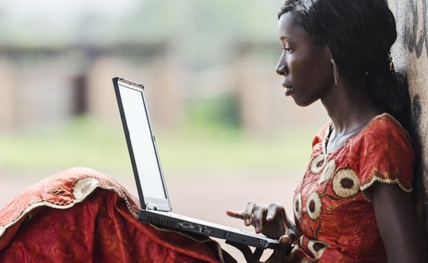 הסטודנטית הישראלית ששינתה את חיי הנשים באפריקה (צילום: kateafter   Shutterstock.com )
