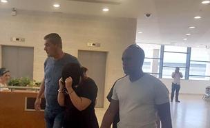 החשודה בבית המשפט, אתמול (צילום: החדשות)