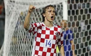 לוקה מודריץ' בנבחרת קרואטיה ב-2006 (צילום: Bryn Lennon, getty images)