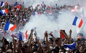 צרפת מנצחת בגמר המונדיאל (צילום: AP, חדשות)