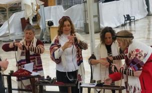 נשות הכותל בתפילה, ארכיון (צילום: חדשות 2)
