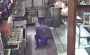 """שף """"מלגו ומלבר"""" על הפריצה למסעדה (צילום: מתוך """"חדשות הבוקר"""" , קשת 12)"""