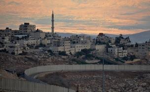 """""""להתגרש מהפלסטינים"""". גדר ההפרדה (צילום: דורית יורדן דותן, חדשות)"""