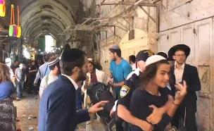 תיעוד: קטטה ברובע המוסלמי (צילום: חדשות)