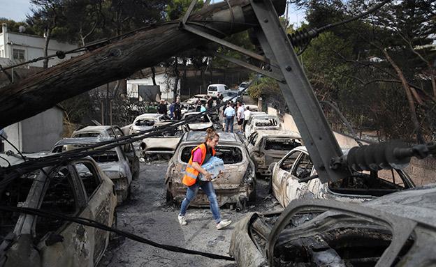 צפו: מאמצי הכיבוי ביוון נמשכים (צילום: AP, חדשות)