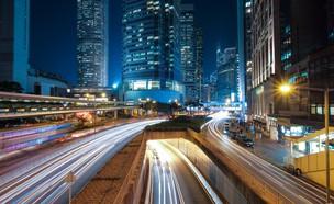 תאורה מלאכותית, רק   מה שצריך בכביש (צילום: puk-patrick-on-unsplash)