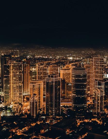 תאורה מלאכותית, עיר בלילה (צילום: jc-gellidon-on-unsplash)