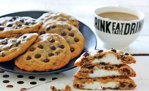 עוגיות שוקולד צ'יפס במילוי עוגת גבינה (צילום: ענבל לביא, אוכל טוב)