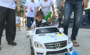 """ה""""רגליים"""" לילדים הנכים: רכב אישי (צילום: החדשות)"""