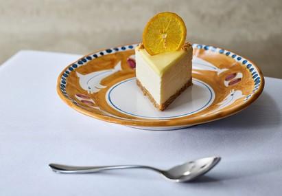 דה ג'אפה עוגת גבינה ותפוז  (צילום: דן פרץ, יחסי ציבור)