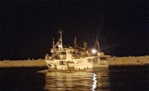 הסירה לאחר שנעצרה והוחרמה (צילום: חדשות)