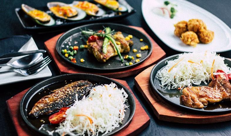 ארוחה (צילום: vitchakorn-koonyosying-unsplash)