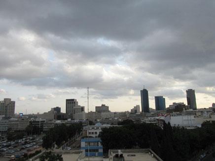 גשם בתל אביב (ארכיון) (צילום: מיכל אבנעים, תל אביב, חדשות)
