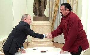 סטיבן סיגל עם ולדימיר פוטין (ארכיון) (צילום: חדשות)