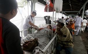 תיעוד ההריסות ובתי החולים המאולתרים (צילום: AP, חדשות)