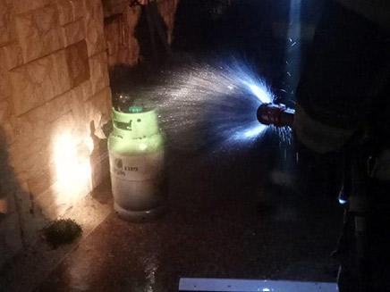 מיכל גז שעלה באש, הערב (צילום: דוברות כבאות והצלה לישראל מחוז דרום, חדשות)