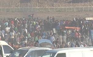 התפרעויות בגבול עזה (צילום: AP, חדשות)