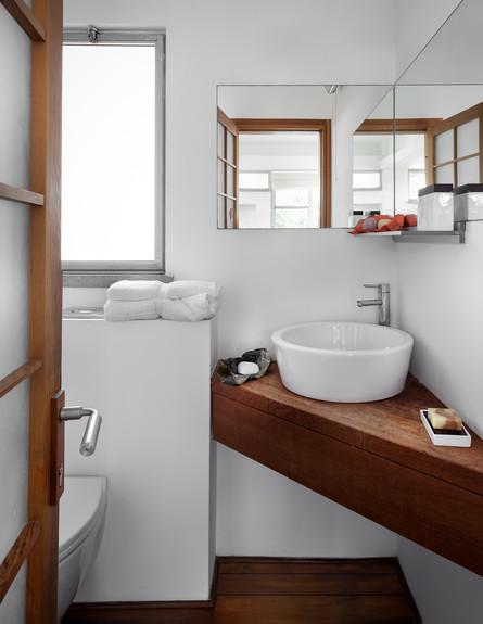 בית בבנימינה, עיצוב אסתי דינור, חדר רחצה (1) (צילום: סטודיו איתי אבירן)