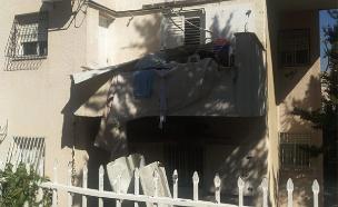 זירת הנפילה במודיעין עילית (צילום: דוברות המשטרה, חדשות)