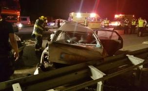 """זירת התאונה בכביש 4 (צילום: בן טטרו תיעוד מבצעי מד""""א, חדשות)"""