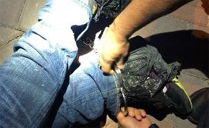 פורץ נתפס על חם בירושלים (צילום: דוברות המשטרה, חדשות)