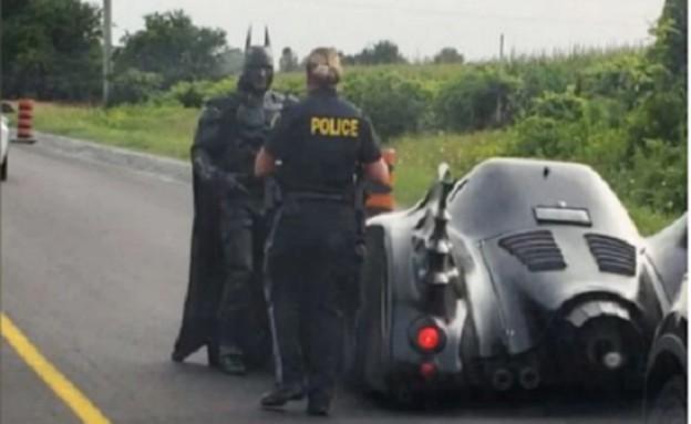 באטמן הקנדי (צילום: youtube/Car Crashes & Music)