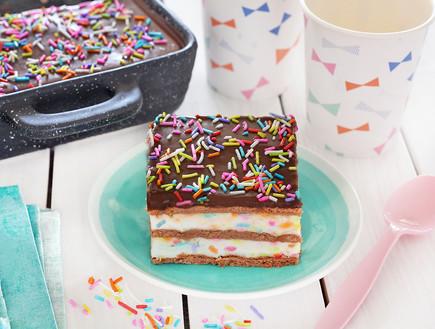 עוגת ביסקוויטים קונפטי