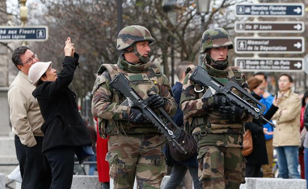 היערכות ביטחונית בפריז , ארכיון (צילום: רויטרס, חדשות)