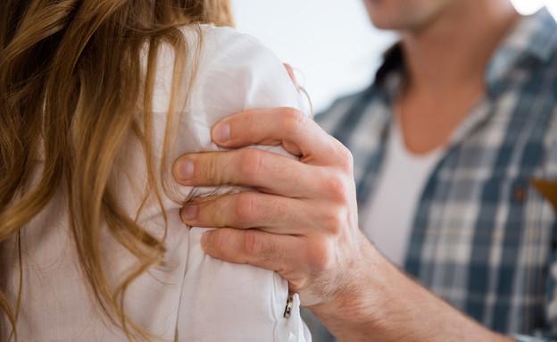 אלימות במשפחה (צילום: Dean Drobot, shutterstock)