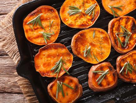 בטטה בתנור (צילום:  AS Food studio, shutterstock)