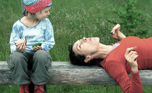 אמא ובת (אילוסטרציה: Rolands Lakis, flickr)