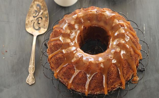 עוגת תפוחים ודבש בזיגוג קרמל (צילום: חן שוקרון, אוכל טוב)