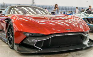 Aston Martin Vulcan (צילום: Adam Court)