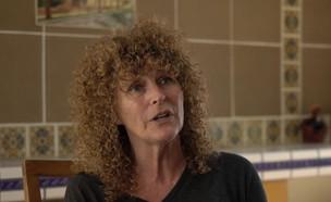 """קרוליין לנגפורד מדברת על הכל (צילום: מתוך """"אנשים"""", קשת 12)"""