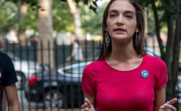 אחת המאשימות נגד קיז. ג'וליה סלאזאר (צילום: AP, חדשות)