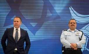 גלעד ארדן ורוני אלשיך (צילום: פלאש 90 / יונתן סינדל, חדשות)