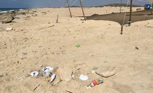 חוף מלוכלך (צילום: החברה להגנת הטבע)