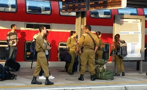בשל מחלת עובדים: שיבושים ברכבות (צילום: חדשות 2)