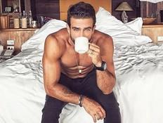 לוהט: הקפה של הבוקר נראה הרבה יותר סקסי ככה