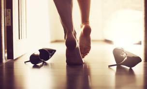 בגידה אילוסטרציה (צילום:  NIKITA TV, Shutterstock)