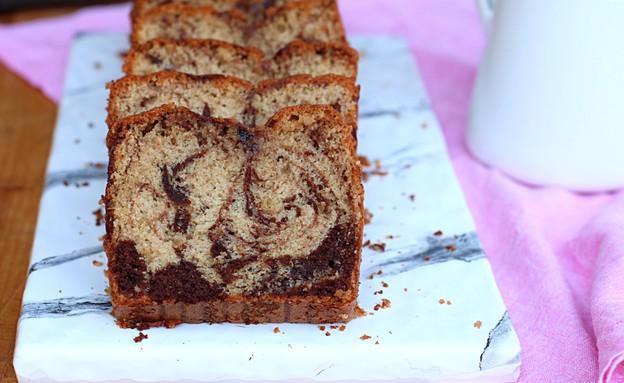 """עוגת שיש פרווה מקמח כוסמין (צילום: אריאל ברי בן חמו, הבלוג """"בריאלי - אופים בריא יותר"""")"""