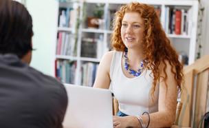 איך עונים על שאלות מעצבנות בראיון עבודה (צילום: By Dafna A.meron, shutterstock)